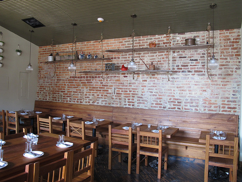 Red_hen_bloomingdale_seating_brick