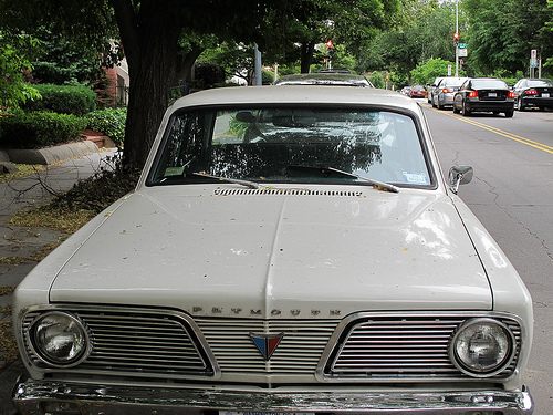 plymouth_valiant_200_front