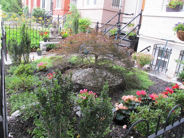 garden_sculpture