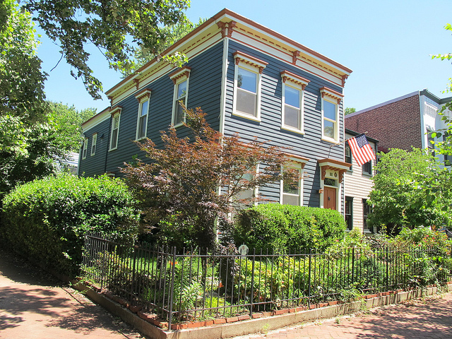 house_capitol_hill