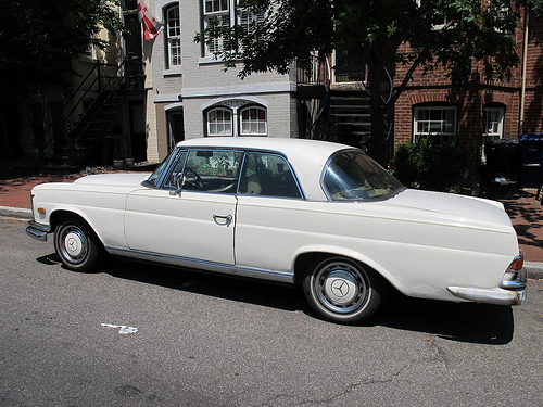 mercedes_280_se_city_ride_popville