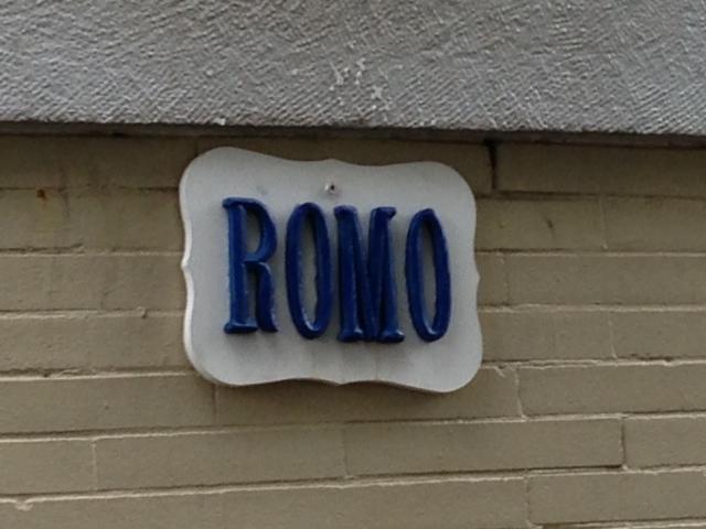 romo_sign