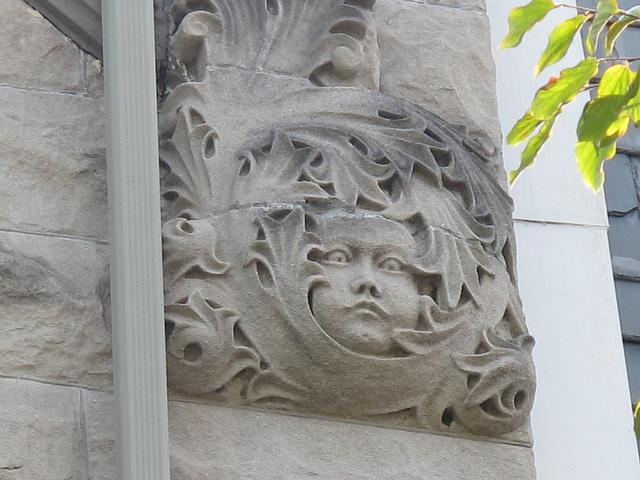 house_sculptures