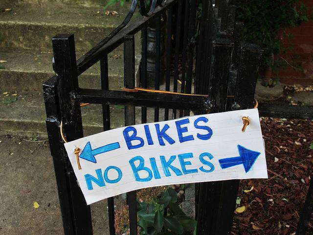 bikes_no_bikes_sign