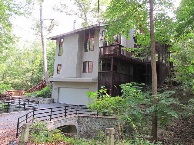forest_hills_house_popville
