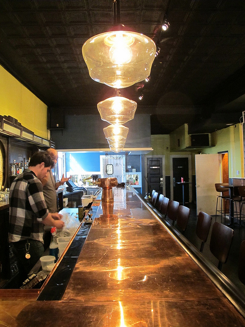 petworth_citizen_bar_towards_kitchen
