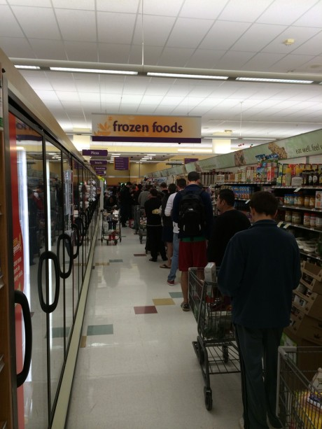 columbia_heights_giant_long_lines