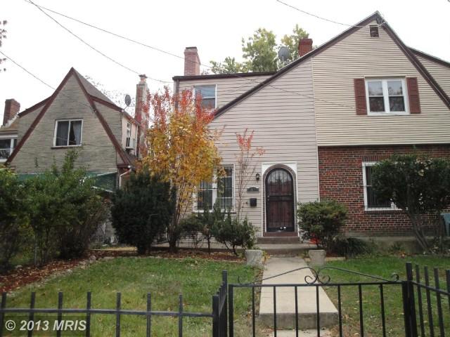 1815-Otis-Street-Northeast-e1383835276964