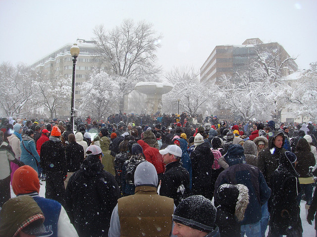 dupont_circle_snowball_fight