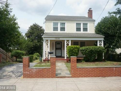 1516 Hamlin Street Northeast