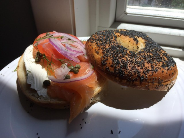 bagel_and_lox