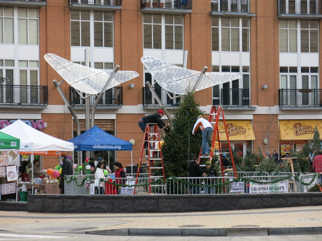 PoPville » 4th Annual Columbia Heights Christmas Tree