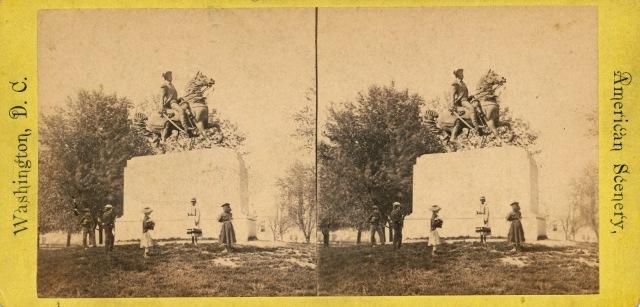 Washington Statue 01