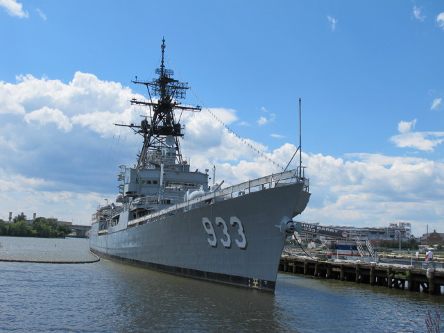 USS_Barry