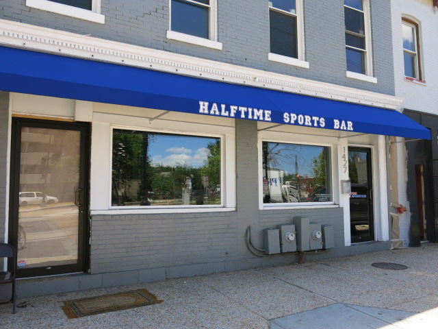 halftime_sports_bar_closed