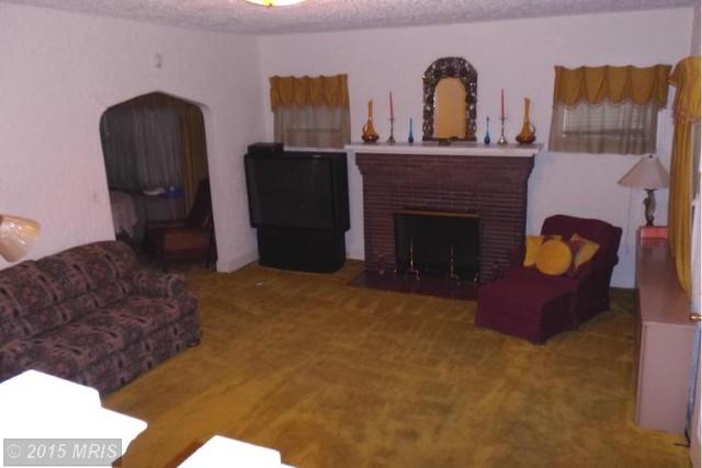 Living Room (p1) -