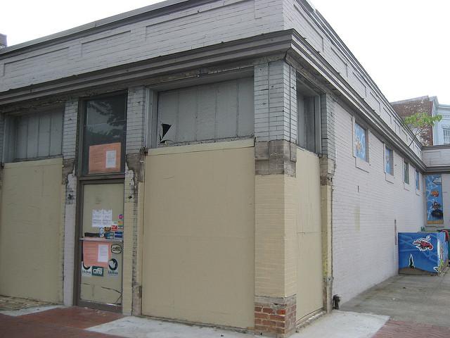 chesapeake-room-barracks-row-2009