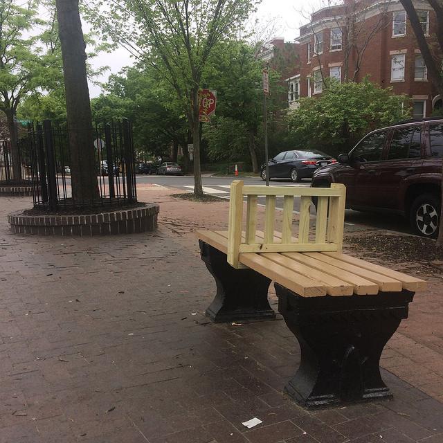 lamont bench hostile