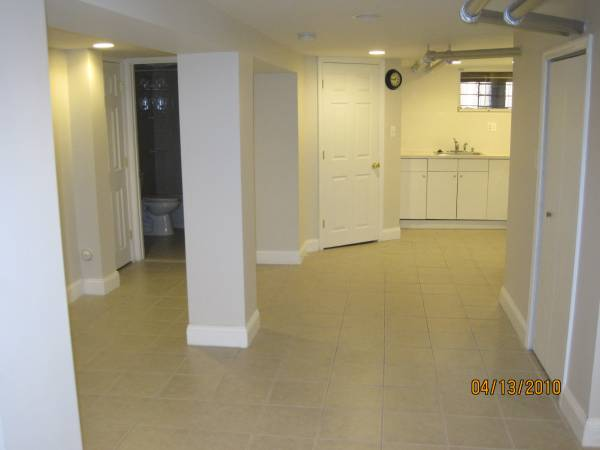 We Are Looking For A Tenant To Rent Out Our 600 Sq Ft Studio Basement  Apartment. Front And Back Separate Entrances, With A Full Bathroom, Kitchen  And Onsite ...