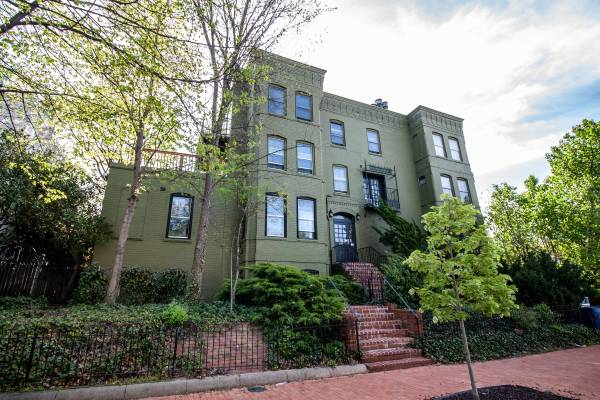 Popville 187 Today S Rental Is A A Gorgeous 2 Bedroom 1 5