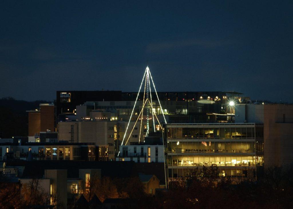 PoPville » 930 Club 'christmas tree' antenna lights still bringing joy